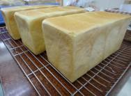 いずみの家の絹食パン 250円